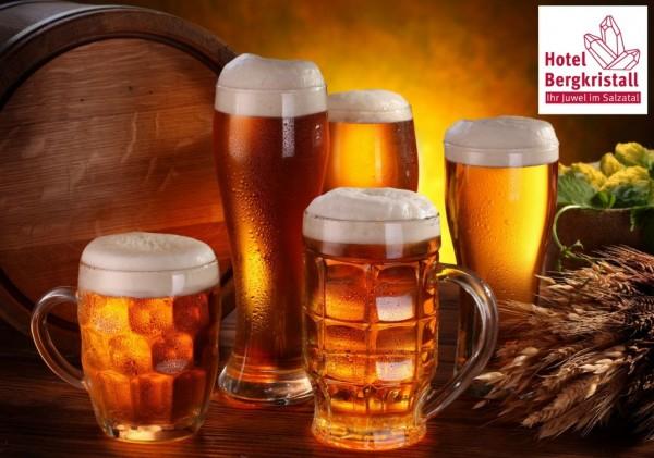 Bergkristallklares Bier wird verkostet